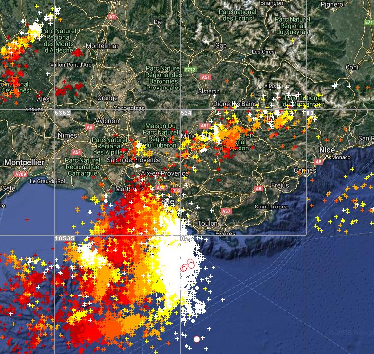 Le 16.07.2018 a 14h08: Violent orages sur le Sud de la France actuellement en cours.