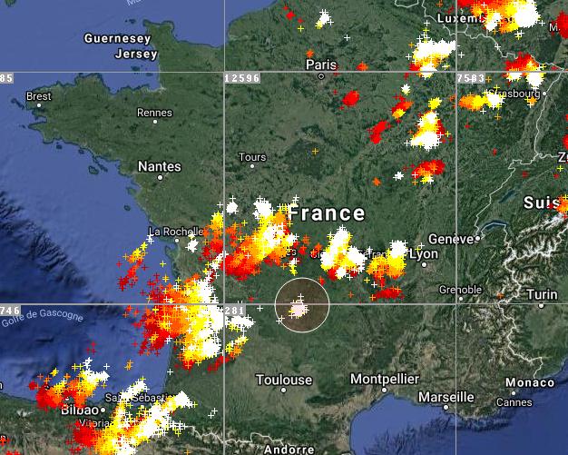 Le 3.07.2018: Live à 16h23 Violent orages sur la France actuellement en cours. 31 départements en alerte orange pour risque d orages violent.
