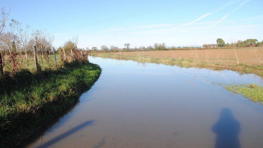 Le Cailar : nombreuses routes inondées