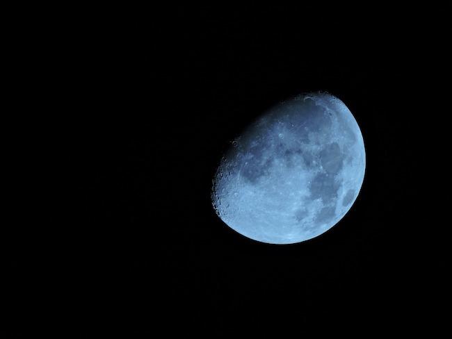 Moon 1733770 1280
